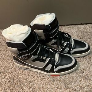 Louis Vuitton High Top Sneakers US10.5 LV9.5